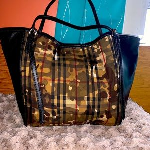 Burberry Canterbury Camouflage Horseferry Check
